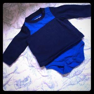 💰5/$25💰Cherokee blue and navy long sleeve onesie